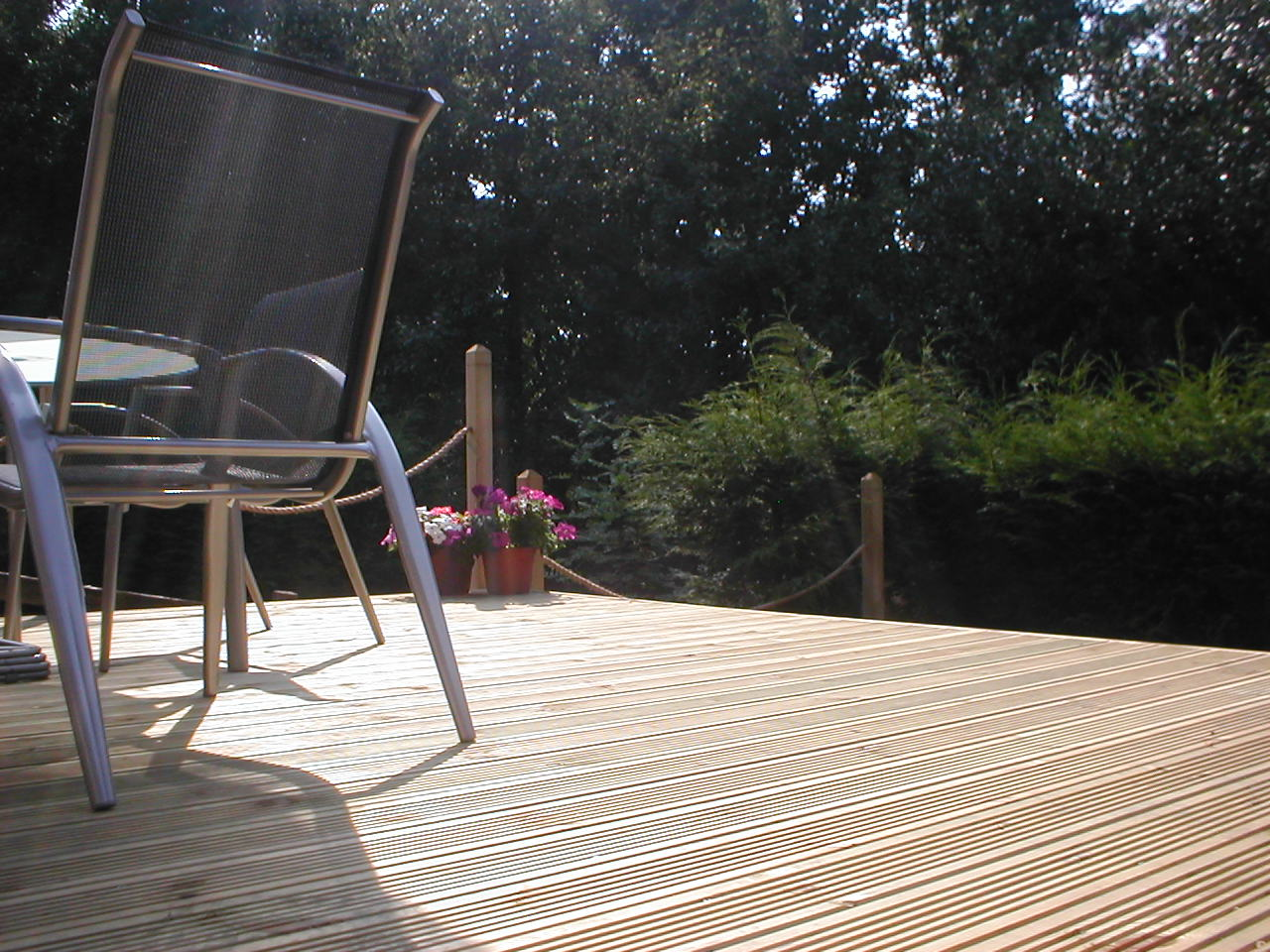 Your decking photos garden decking for Garden decking images uk