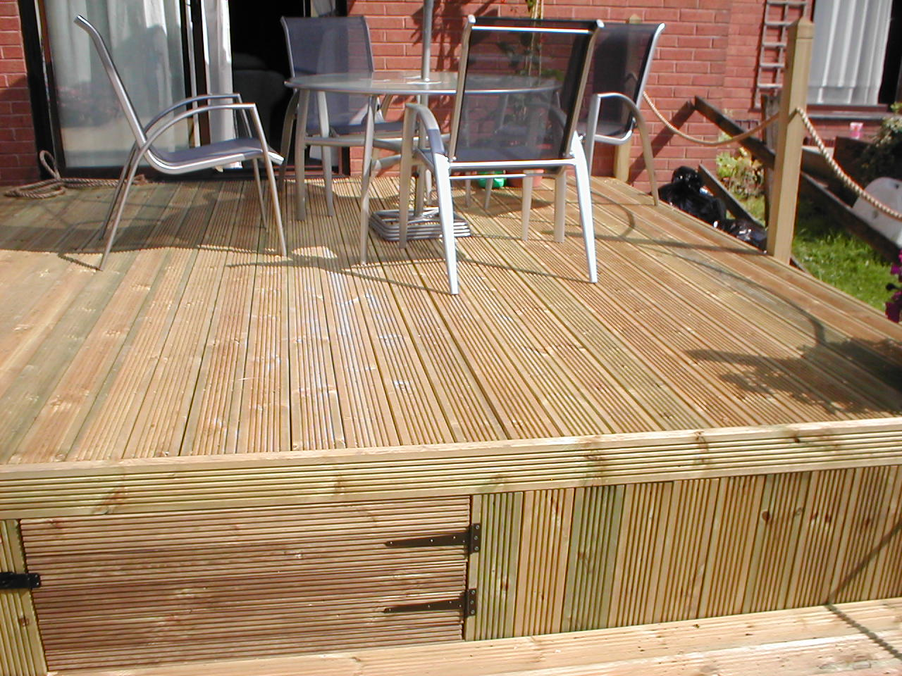 Your decking photos garden decking for Decking for back garden
